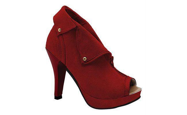 Red Ankle Boot Spalanie akcji przez R $ 59.99 w Posthaus
