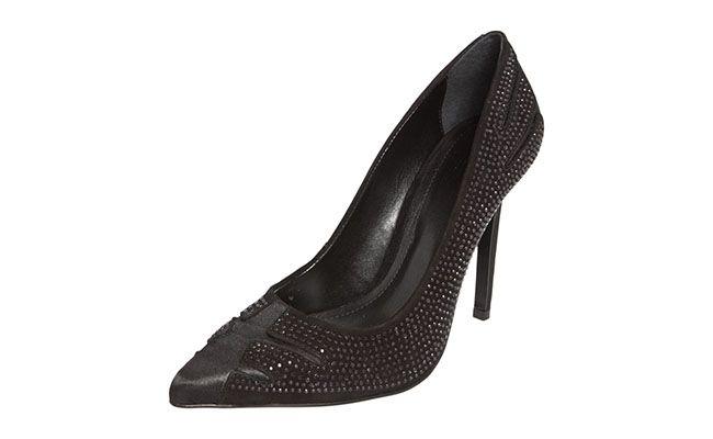 "Scarpin Preto com brilhos My Shoes por R$169,90 na <a href=""http://www.dafiti.com.br/Scarpin-My-Shoes-Recorte-Preto-1488484.html"" target=""blank_"">Dafiti</a>"