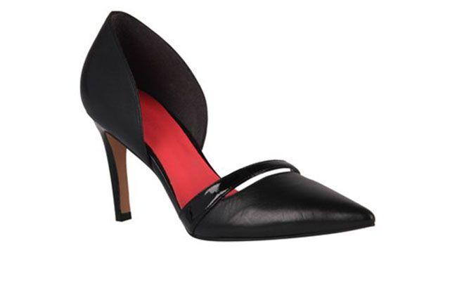 "Scarpin Preto aberto por R$219,90 na <a href=""http://www.shoestock.com.br/scarpin-couro-verniz-preto-1708091500001/p"" target=""blank_"">Shoestock</a>"