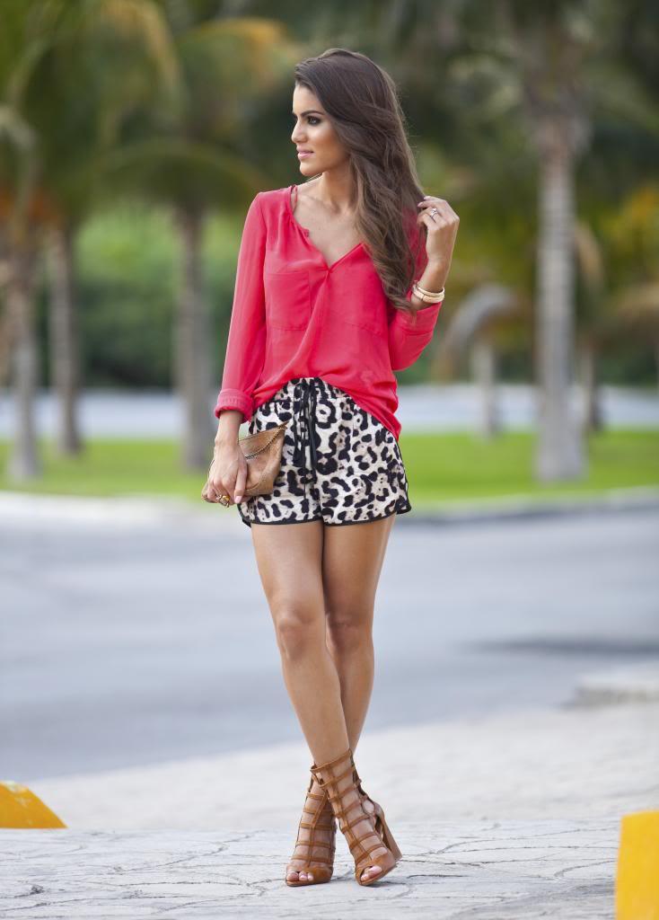 """Foto: Reprodução / <a href=""""http://camilacoelho.com/2013/08/12/meu-look-animal-print-shorts/"""" target=""""_blank"""">Camila Coelho</a>"""