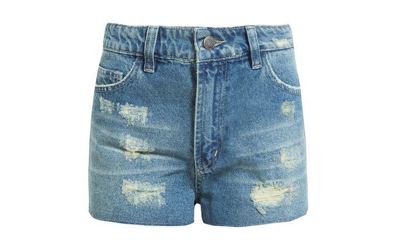 "Shorts Farm por R$149 na <a href=""http://www.oqvestir.com.br/short-jeans-farm-basic---azul-61569.aspx/p"" target=""blank_"">Oqvestir</a>"