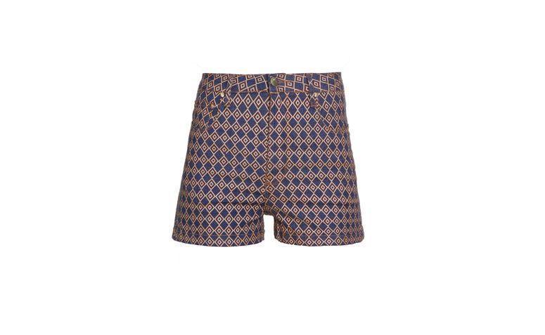 """Shorts Amapô Losango por R$269 na <a href=""""http://www.gallerist.com.br/short-amapo-losango-7857.aspx/p"""" target=""""blank_"""">Gallerist</a>"""