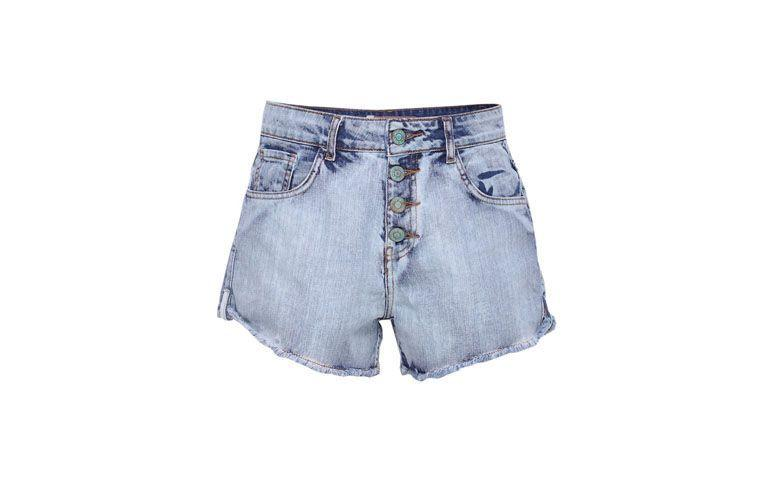 "Shorts Dress To por R$253 na <a href=""http://ad.zanox.com/ppc/?29469669C13209181&ULP=[[http://www.glamour.com.br/dress-to-shorts-feminino-short-dress-to-transpasse-botoes-frente-jeans-medio-42/p?utm_source=B2C_Afiliados_Zanox_Kangoolu&utm_medium=Deeplink_Zanox&utm_campaign=Produtos_Que_Amamos_Zanox_Kangoolu&prc=9899]]"" target=""blank_"">Glamour</a>"