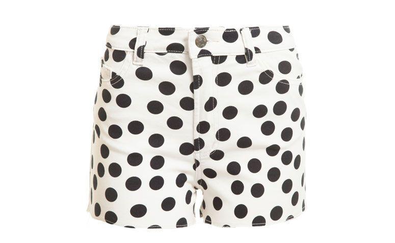 "Shorts Farm por R$99 na <a href=""http://www.oqvestir.com.br/short-cintura-alta-farm-poa---off-white-58239.aspx/p"" target=""blank_"">Oqvestir</a>"