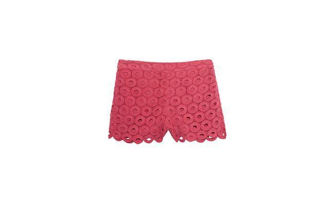 """Short de renda circular rosa por R$ 397,80 na <a href="""" http://www.oqvestir.com.br/short-renda-circular-rosa-36869.aspx/"""" target=""""_blank"""">OQVestir</a>"""