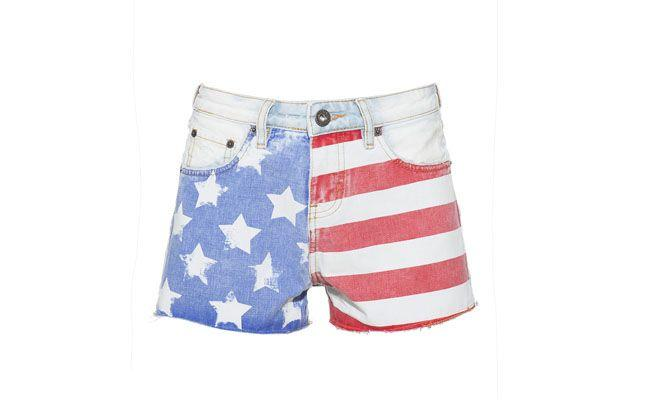 "Short jeans USA por R$184,80 na <a href=""http://www.gallerist.com.br/Short-Jeans-USA-5130.aspx/p"" target=""_blank""> Gallerist</a>"