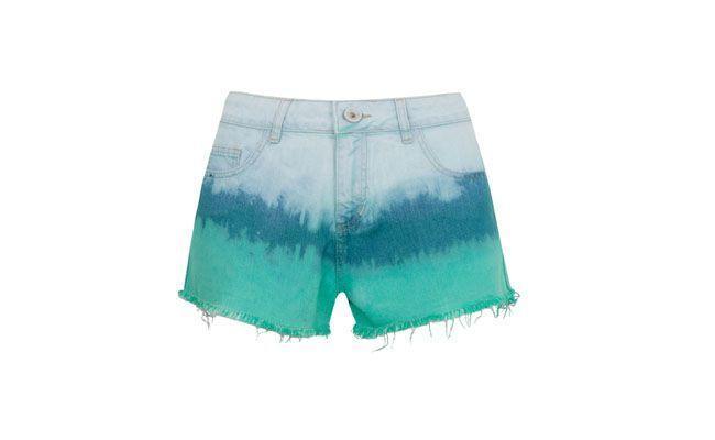 "Short jeans em degradê azul por R$139,90 na <a href=""http://www.dafiti.com.br/Short-Jeans-Shop-126-Degrade-Azul-1288682.html"" target=""_blank""> Dafiti</a>"