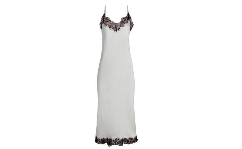 "Slip dress midi por R$116,00 na <a  href=""https://www.oqvestir.com.br/vestido-slip-dress-midi-renda.html"" rel=""nofollow""  target=""blank_"">Oqvestir</a>"