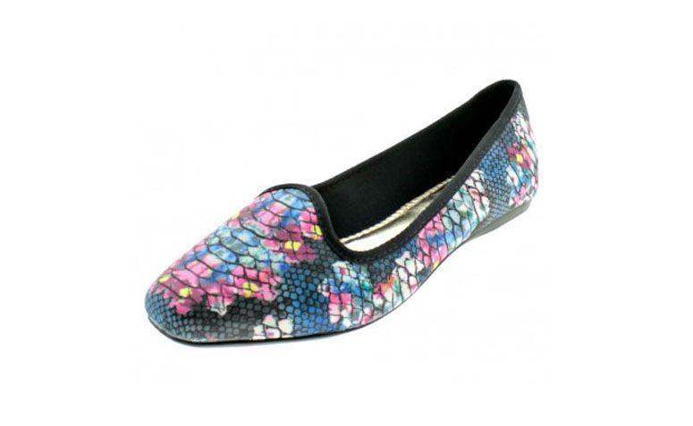 """Slipper colorido, da Beira Rio por R$49,99 na <a href=""""http://www.clovis.com.br/catalog/product/view/id/57929/s/sapatilha-feminina-slipper-beira-rio-tam-34-ao-39/category/19/"""" target=""""_blank"""">Clovis</a>"""