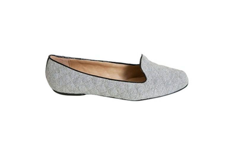 "Slipper moletom, da Ana Capri por R$124,90 na <a href=""http://www.modapontonet.com.br/slipper-moletom-p3464/"" target=""_blank"">Moda.net</a>"