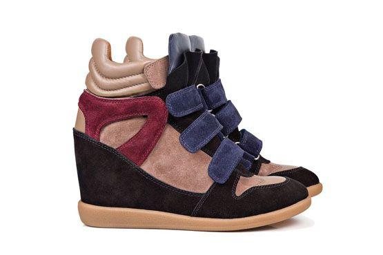 Wedge sneaker aveludado da Arezzo.