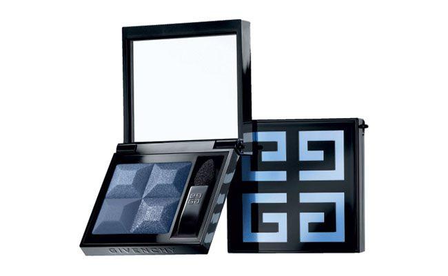 "Sombra Le Prisme Yeux Mono 11 Dressy Indigo Givenchy por R$115 na <a href=""http://www.sephora.com.br/site/produto.asp?idproduto=8754"" target=""blank_"">Sephora</a>"
