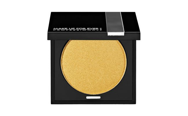 "Sombra Eye Shadow por R$84 na <a href=""http://www.sephora.com.br/make-up-for-ever/maquiagem/olhos/sombra-eye-shadow-12261"" target=""blank_"">Sephora</a>"