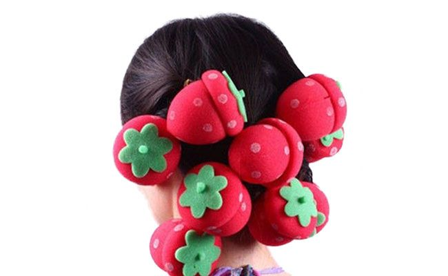 "Kit com 12 unidades R$ 4,23 no <a href=""http://www.ebay.com/itm/12Pcs-Magic-DIY-Hair-Style-Strawberry-Balls-Soft-Sponge-Hair-Curler-Rollers-8606-/221230307814?pt=US_Hair_Care&var=&hash=item33825a99e6"" target=""blank_"">eBay</a>"