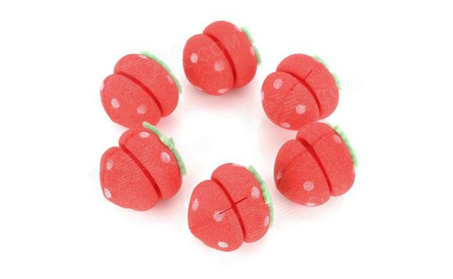 "Kit com 6 unidades R$ 6,76 na <a href=""http://www.dx.com/pt/p/cute-strawberry-style-hair-curler-balls-red-green-6-pcs-152118#.VAz6R_ldX8Y"" target=""blank_"">DX</a>"