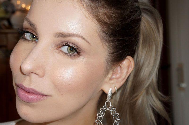 """Foto: Reprodução / <a href=""""http://www.lucianeferraes.com.br/tecnica-strobing-make-up-o-que-e-e-como-fazer/"""" target=""""_blank"""">Luciane Ferraes</a>"""