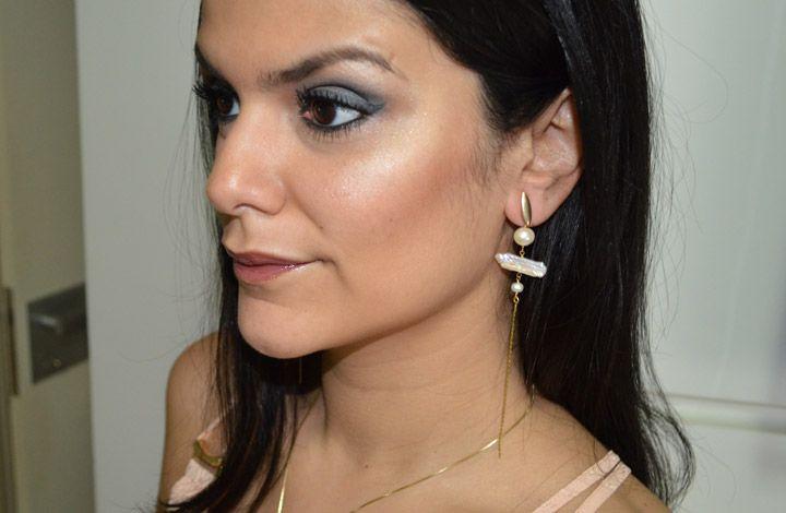 """Foto: Reprodução / <a href=""""http://www.2beauty.com.br/blog/2014/12/18/resenha-iluminador-em-bastao-natura-una/"""" target=""""_blank"""">2beauty</a>"""