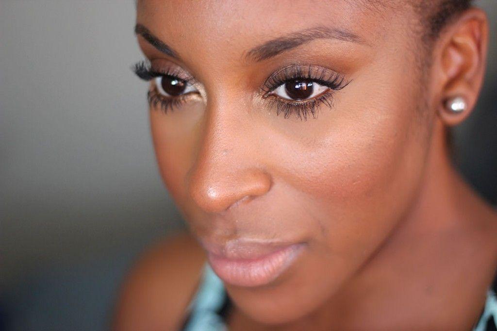 "Foto: Reprodução / <a href=""http://jackieaina.com/tag/makeup-tutorial/"" target=""_blank"">Jackie Aina</a>"