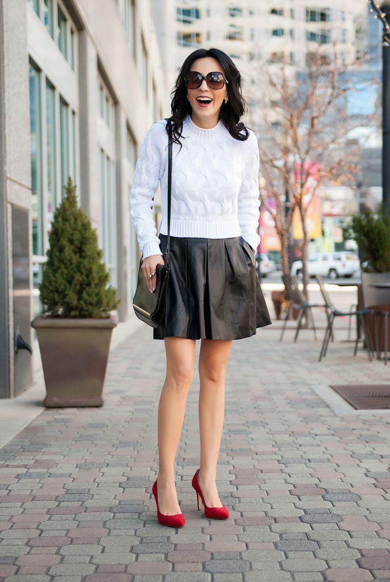 "Foto: Reprodução / <a href=""http://www.mypersonalfashionstylist.com/2015/03/18/crop-sweater/"" target=""_blank"">My Personal Fashion Stylist</a>"