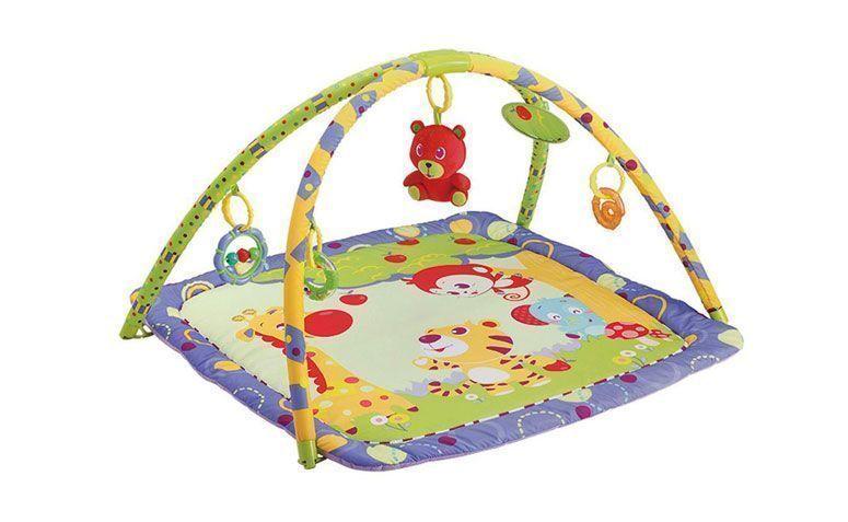 """Tapete de atividades urso Mastela por R$ 189, na <a href=""""https://ad.zanox.com/ppc/?29470536C23045534&ULP=[[https://www.walmart.com.br/tapete-de-atividades-infantil-mastela-colorido-urso/bebes-e-criancas/brinquedos-e-diversao/tapetes-e-ginasios/3049110/pr?utm_source=zanox&utm_medium=afiliados&utm_campaign=generica&zanpid=2035439420500714496&utm_source=zanox&utm_medium=afiliados&utm_campaign=custom_deeplink]]"""" rel=""""nofollow""""  target=""""_blank"""">Walmart</a>"""