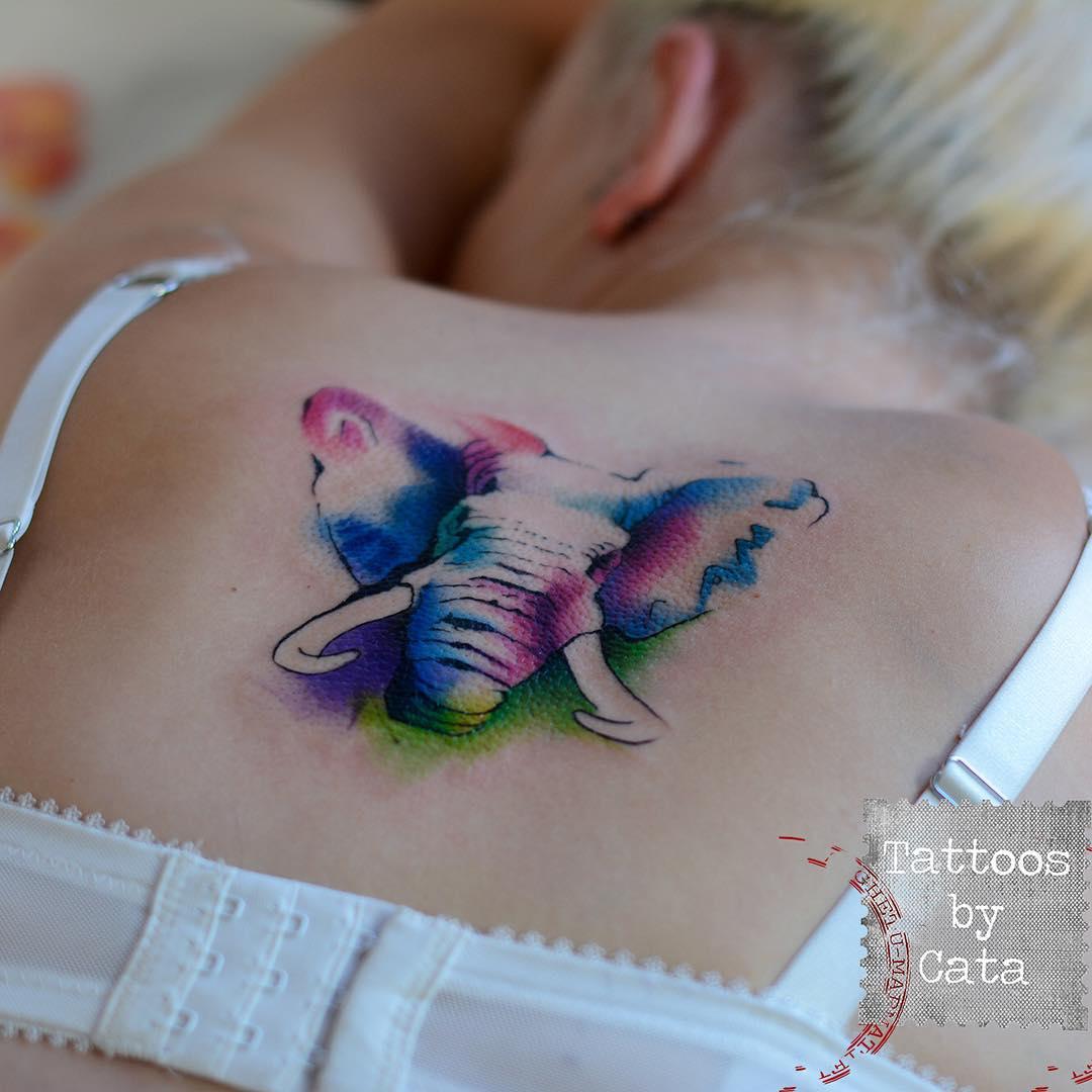 "Foto: Reprodução / <a href=""https://instagram.com/p/6jtkSeA7jX/ "" target=""_blank"">Tattoos by Cata</a>"