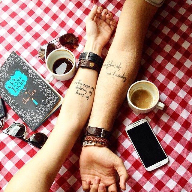 """Foto: Reprodução / <a href=""""https://instagram.com/p/xJTl1gsOge/"""" target=""""_blank""""> Tattoo2me </a>"""