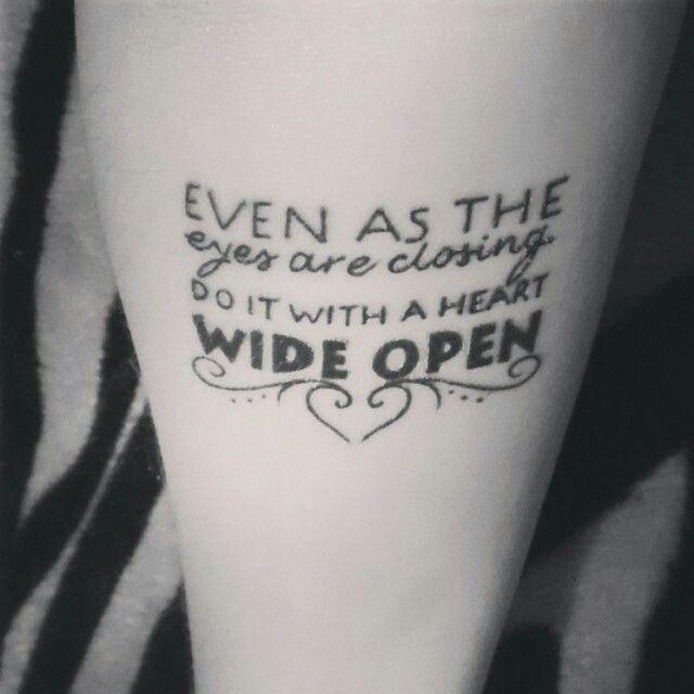 """Foto: Reprodução / <a href=""""https://instagram.com/p/2eVRnpsOka/ """" target=""""_blank""""> Tattoo2me </a>"""
