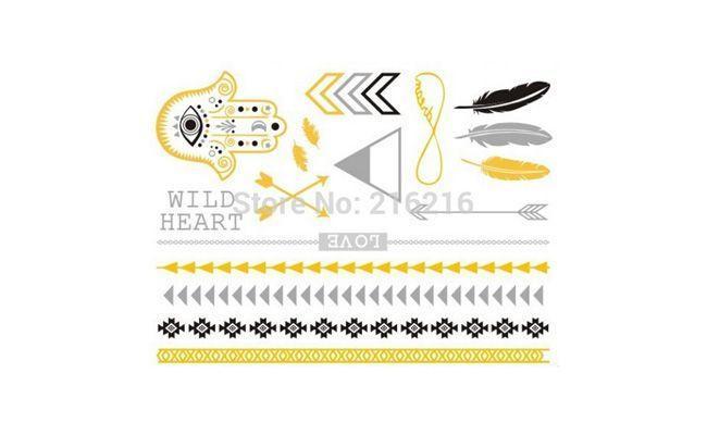 """Tatuagens temporárias metálicas variadas por US$3,95 no <a href=""""http://pt.aliexpress.com/item/evil-eye-Feather-Metallic-Gold-Silver-Temporary-Jewelry-Tattoos/2027068877.html"""" target=""""_blank"""">Aliexpress</a>"""