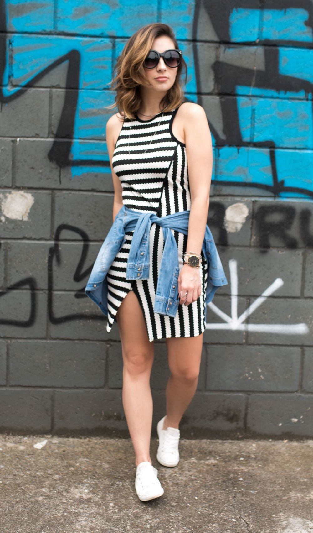 """Foto: Reprodução / <a href=""""http://www.vanduarte.com.br/use-seu-vestido-justo-com-truque-de-styling-look-fashion-e-descomplicado/"""" target=""""_blank"""">Van Duarte</a>"""