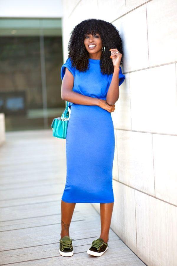"Foto: Reprodução / <a href=""http://stylepantry.com/2014/09/15/crop-t-shirt-midi-dress/"" target=""_blank"">Style Pantry</a>"