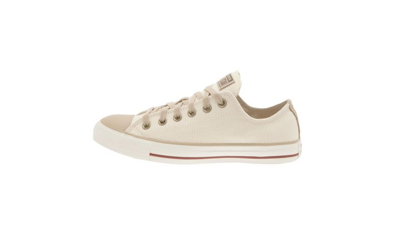 "Tênis Converse por R$159 na <a href=""http://www.oqvestir.com.br/tenis-converse-specialty-ox---bege-57705.aspx/p"" target=""blank_"">Oqvestir</a>"