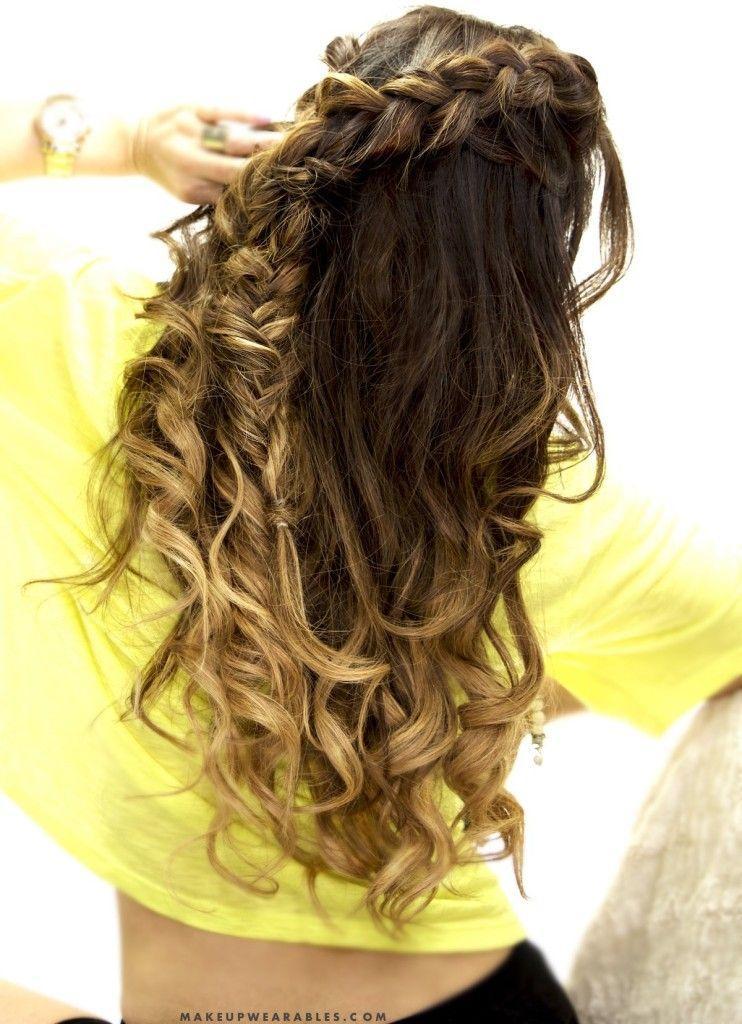 "Foto: Reprodução / <a href=""http://www.makeupwearables.com/2015/06/cute-combo-braid-half-up-half-down-hairstyle-school-everyday.html"" target=""_blank"">Makeup Wearables</a>"