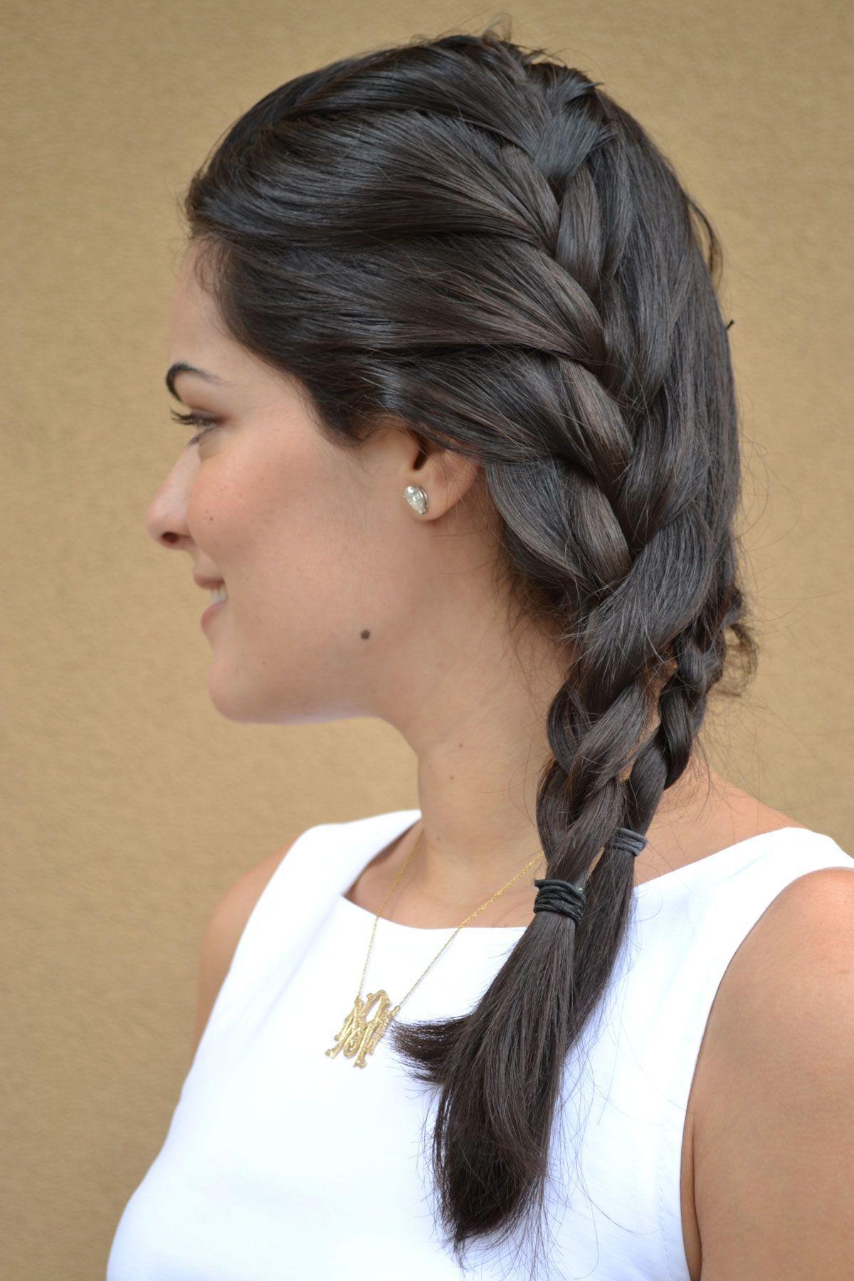 """Foto: Reprodução / <a href=""""http://www.blogdamariah.com.br/index.php/2011/10/look-do-dia-cintura-marcada"""" target=""""_blank"""">Blog da Mariah</a>"""