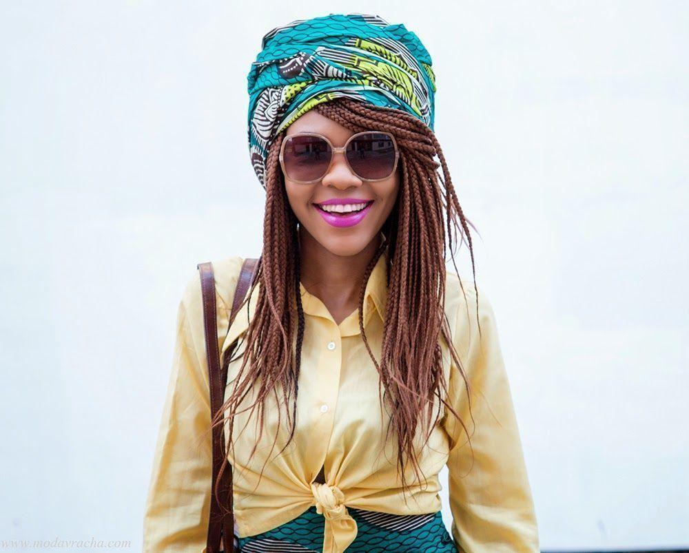 "Foto: Reprodução / <a href=""http://www.modavracha.com/2015/04/retro-ankara-skirt-and-turban-outfit.html""> Modavracha</a>"