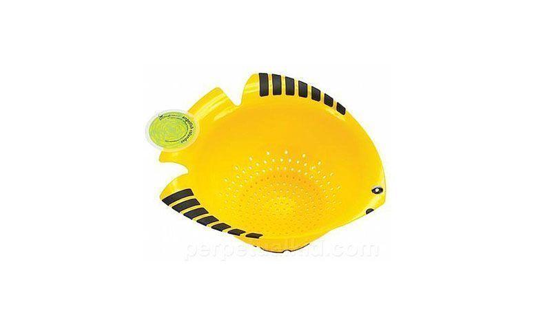 """Escorredor peixe amarelo por R$50,40 na <a href=""""http://www.donacasa.com.br/p/35498/Escorredor+PEIXE+AMARELO"""" target=""""blank_"""">Dona da Casa</a>"""