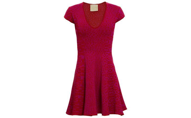 "Vestido bandagem soltinho Lolitta por R$1.235 na <a href=""http://www.stylemarket.com.br/vestido-rodado-leon-pink-e-vermelho-lolitta---3862"" target=""blank_"">Style Market</a>"