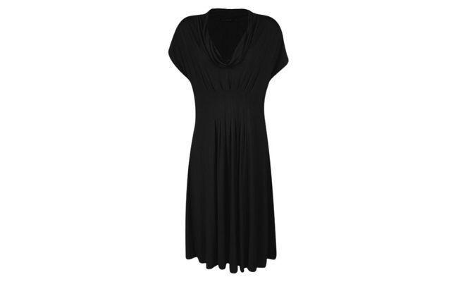 فستان أسود مع ذوي الياقات البيضاء لل79.90 $ في رينر