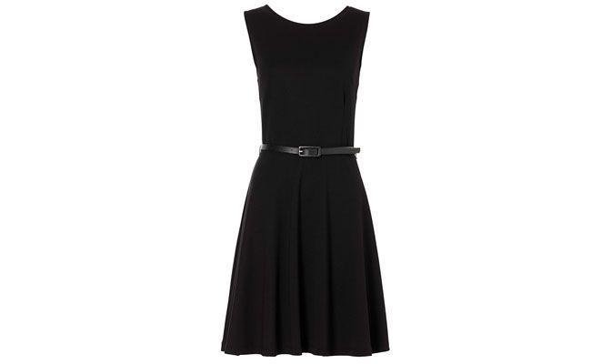 """Vestido  de malha com cinto por R$ 89,90 no <a href=""""http://www.bonprix.com.br/produto/vestido-de-malha-com-cinto-preto-1709905/?typ=PSM&anbieter=Stylight"""" target=""""blank_"""">BonPrix</a>"""