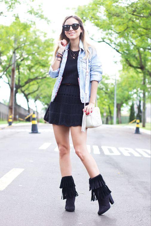 """Foto: Reprodução / <a href=""""http://sonhosdecrepom.com.br/2013/10/look-vestido-crochet-botas/"""" target=""""_blank"""">Sonhos de Crepom</a>"""