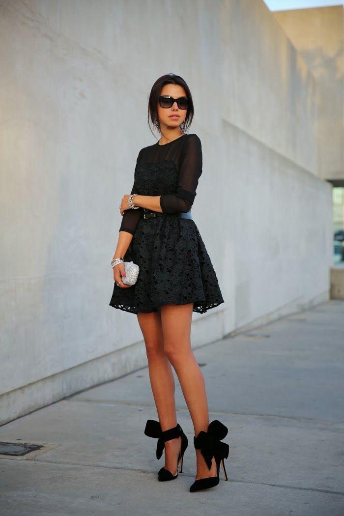 "Foto: Reprodução / <a href=""http://vivaluxury.blogspot.com.br/2013/12/holiday-luxe-little-black-lace.html"" target=""_blank"">Viva Luxury</a>"