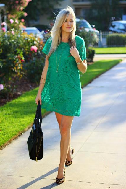"""Foto: Reprodução / <a href=""""http://www.shesaidhesaidfashion.com/2015/05/green-lace-dress.html"""" target=""""_blank"""">She Said He Said Fashion</a>"""