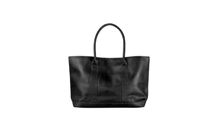 Riachueloで$ 69.90のための黒のハンドバッグ