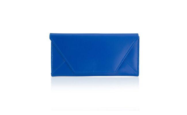 """Carteira Tamy Blue por R$59,00 na <a href=""""http://www.santafina.com/produto/327/carteira_tamy_blue"""" target=""""_blank"""">Santafina</a>"""