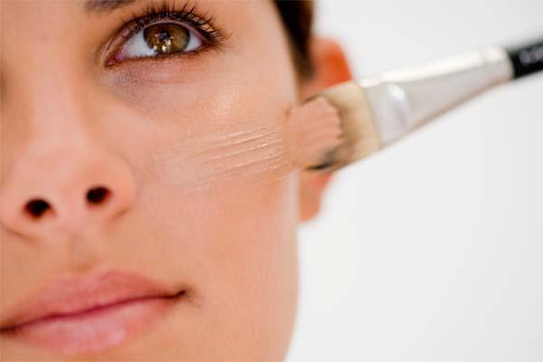 como aplicar base Como aplicar base no rosto