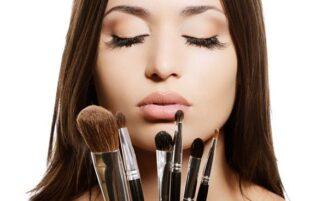 Guia do pincel de maquiagem: aprenda a fazer as escolhas certas