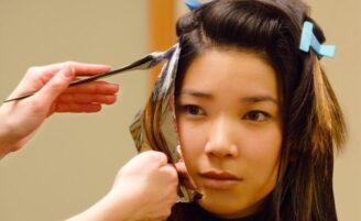 Como cuidar de cabelos tingidos