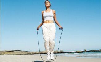 Como queimar calorias pulando corda