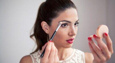 Como usar o iluminador para realçar sua pele com maquiagem