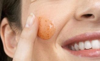 Esfoliante caseiro para todos os tipos de pele