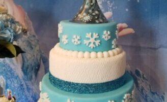 Como usar vestido com cinto: a combinação que agrega charme ao visual